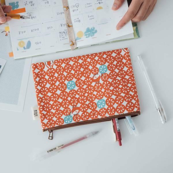 拉鏈文具袋-L14/限定花色/印花樂x你好工作室 - 好多檸檬片/橘紅