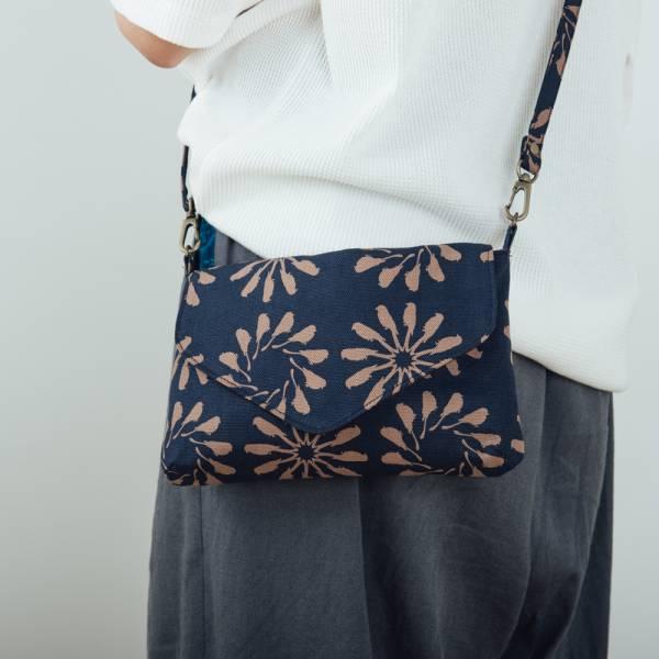 側背信封口小包/烏秋圈圈/海軍藍色 隨身包, 側背包