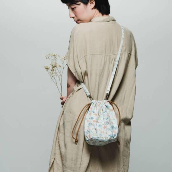 【組合優惠】印花樂x凱蒂貓-圓底側背包+球型束口袋2件組 收納包, 化妝包, 盥洗包, 水壺提袋, 飲料提袋, 收納袋, 隨行包, 旅行小包, 旅行包, 餐墊, 居家