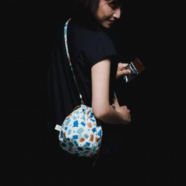 【組合優惠】印花樂x酷企鵝-圓底側背包+球型束口袋2件組 收納包, 化妝包, 盥洗包, 水壺提袋, 飲料提袋, 收納袋, 隨行包, 旅行小包, 旅行包, 餐墊, 居家