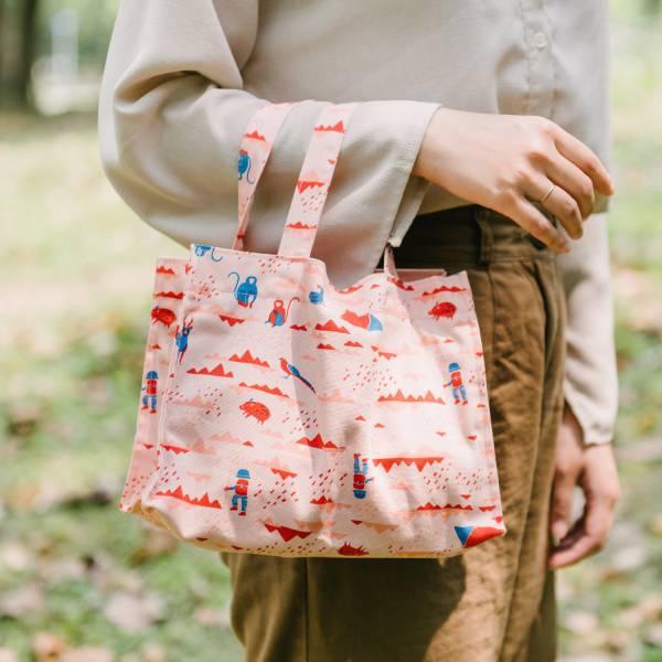 【有機棉】單釦長方便當袋/山中健行/花卉藍紅 飲料提袋, 便當袋, 方形袋,袋子,小袋子