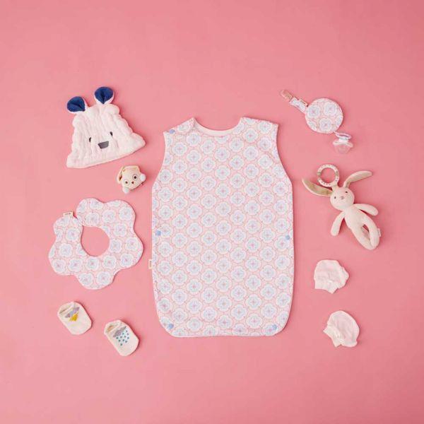 【新生兒/滿月禮盒】玻璃海棠3號/幻想粉藍- 奶嘴夾布套組+花瓣口水巾+寶寶防踢被