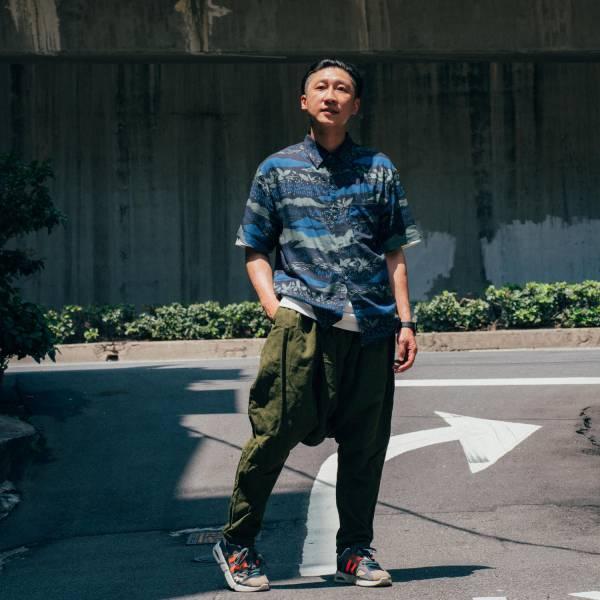 短袖襯衫-男裝/雜花/縱谷暗藍黑 中性襯衫,襯衫,花襯衫,印花布料