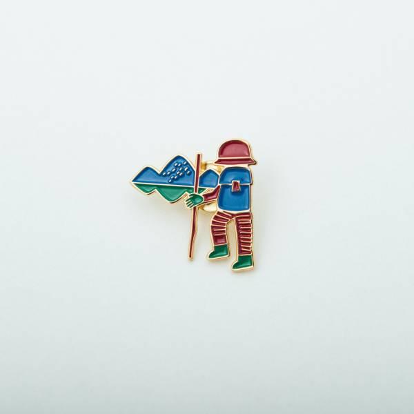 金屬徽章/山中健行/活力紅藍