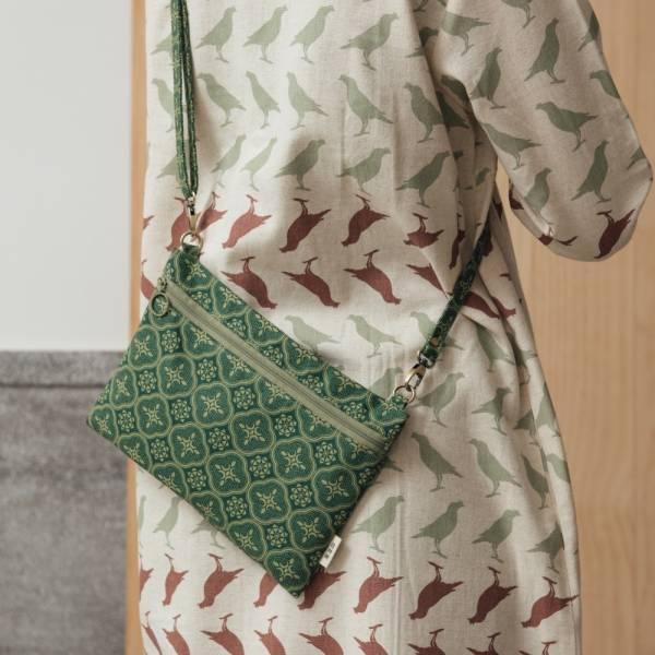 側背橫式扁袋/玻璃海棠/古董草綠