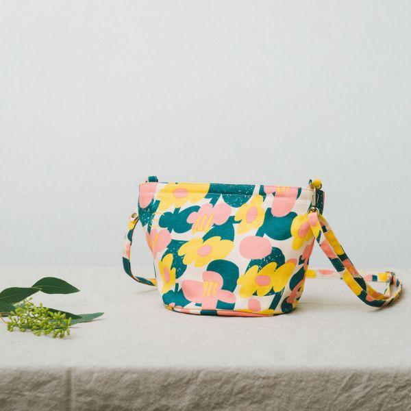 圓底側背包/藝術家聯名/印花樂 x UULIN/荷包蛋花朵/粉色 小包,側背包
