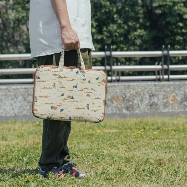 13吋筆電收納包-差旅款(有機棉)/山中健行/風土黃褐 筆電包, 筆電袋