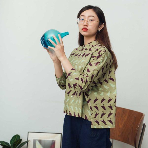 中性寬版八分袖襯衫/台灣八哥5號/油畫紫綠 中性襯衫,襯衫,花襯衫,印花布料