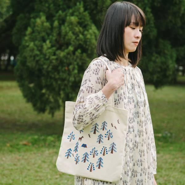 圓角方形購物袋/藝術家聯名/印花樂 x 古曉茵/森林物語/米褐藍 拖特包, 肩背包
