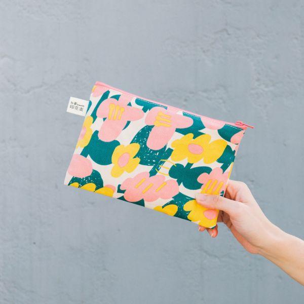 拉鏈文具袋-L14/藝術家聯名/印花樂 x UULIN/荷包蛋花朵/粉色 筆袋, 收納包, 文具袋, 化妝包, 盥洗包