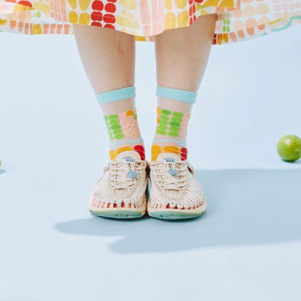 中低筒透膚襪/老派冰果室/牛奶白 戀夏冰果室 ,冰果室,復古印花,文青穿搭,襪子