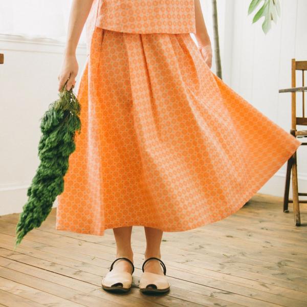 寬版打褶長裙/老磁磚2號/層次膚粉 長裙