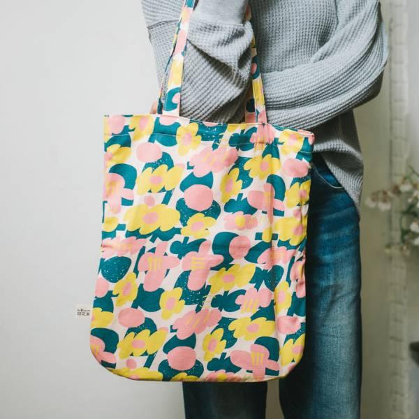 圓角肩背購物袋/藝術家聯名/印花樂 x UULIN/荷包蛋花朵/粉色 拖特包, 肩背包