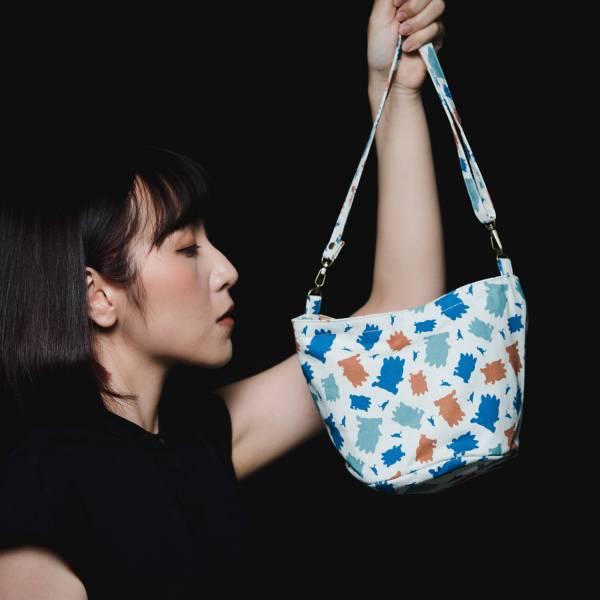 圓底側背包/限定花色/印花樂x酷企鵝-個性橘藍 小包,側背包