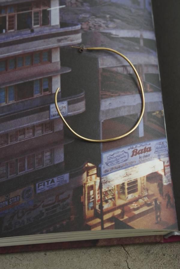 ST, CAT - bigger hoop pierce / gold