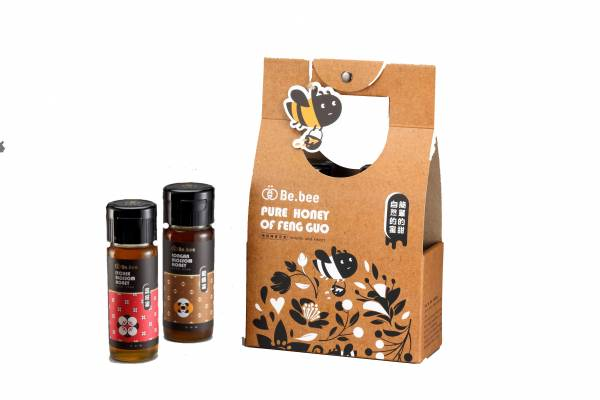 H017-BeBee 野蜂蜜 +龍眼蜜 420g/瓶   1盒 (野蜂蜜:來自台灣土生土長的蜜蜂,經長年生長於氣候涼爽的臺灣山區,野蜂蜜收集不易,每一滴野蜂蜜都『蜜』足珍貴,可謂最珍罕的臺灣原鄉蜂蜜。。龍眼蜜:花期為每年的四月份,香氣濃郁,位處山區空氣清新、水質清淨,所以產出台灣最道地的龍眼蜂蜜!) 天然蜂蜜  蜂蜜