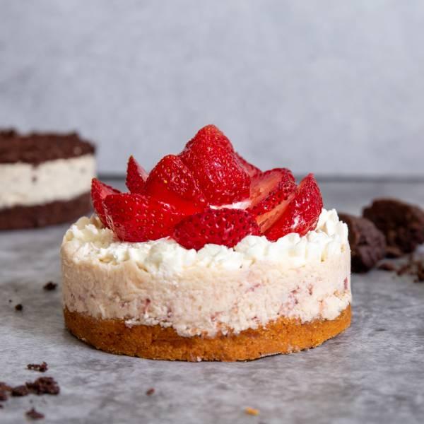 【生酮】4吋草莓白巧蛋糕 台北美食,信義區,生酮甜點,巧克力,蛋糕,健身美食,生酮飲食,低碳,杯子蛋糕