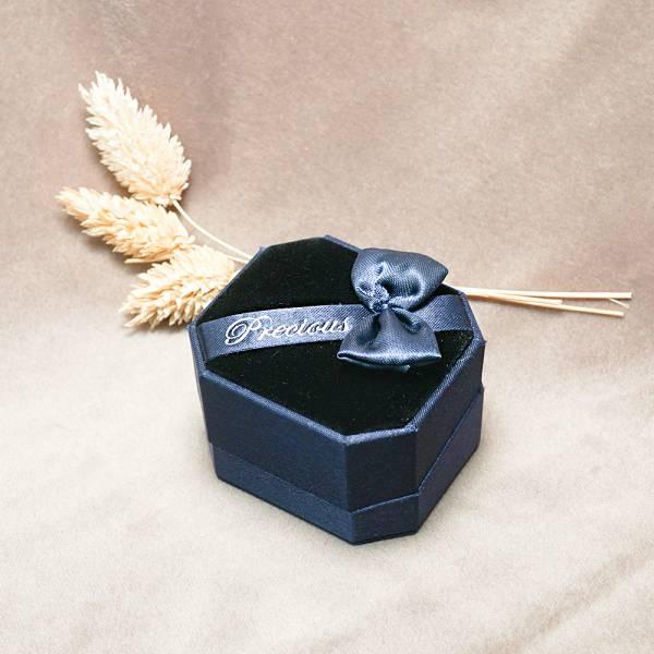 八角緞帶單戒指盒(藍/紅)(黑底)送禮盒-飾品收納盒|收納首飾盒 飾品收納盒