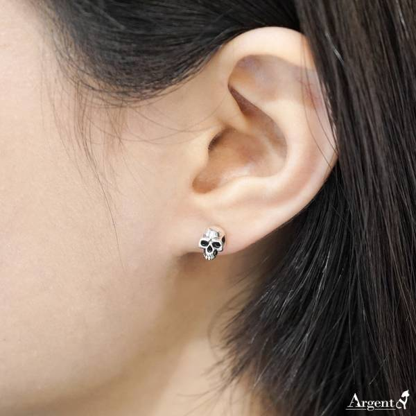 垂吊骷髏十字造型(不對稱)純銀耳環推薦|925銀飾(耳針款)(可自行搭配)  視覺系