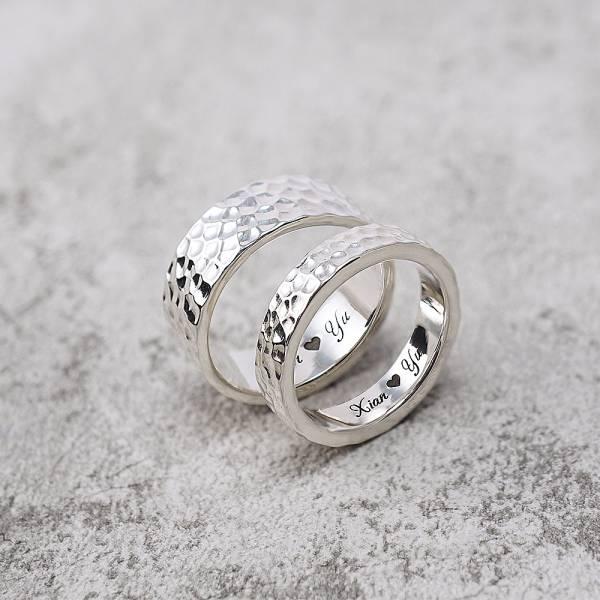 情人對戒-甜蜜烙印+內圍刻字(4/6/8mm任選2個)敲打純銀戒指|925銀飾戒指(一對價) 刻字戒指推薦