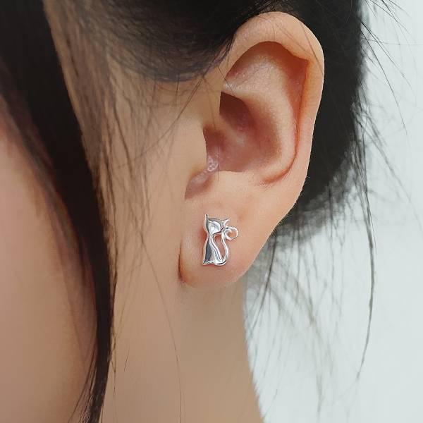小猫咪简约造型纯银耳环推荐 925银饰 小猫咪简约造型纯银耳环推荐 925银饰