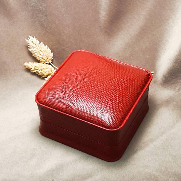 皇家貴族手環盒(外紅內黑.C環)-飾品收納盒|收納首飾盒 送禮手環盒