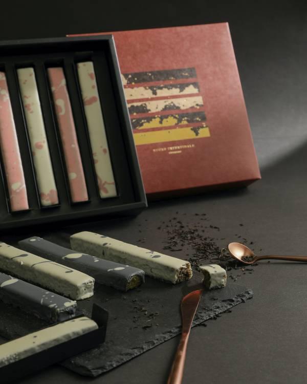 彩墨磅蛋糕 (巧克力口味/咖啡口味) 彩墨磅蛋糕,水墨磅蛋糕,磅蛋糕,巧克力淋面蛋糕