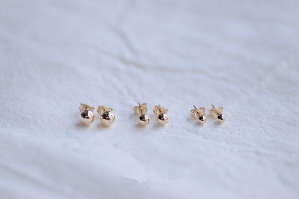 淡金色優雅風 14KGF 金珠耳針 金珠耳環 ,注金 小金珠耳環,包金耳環,14KGF耳環,14KGF貼耳環