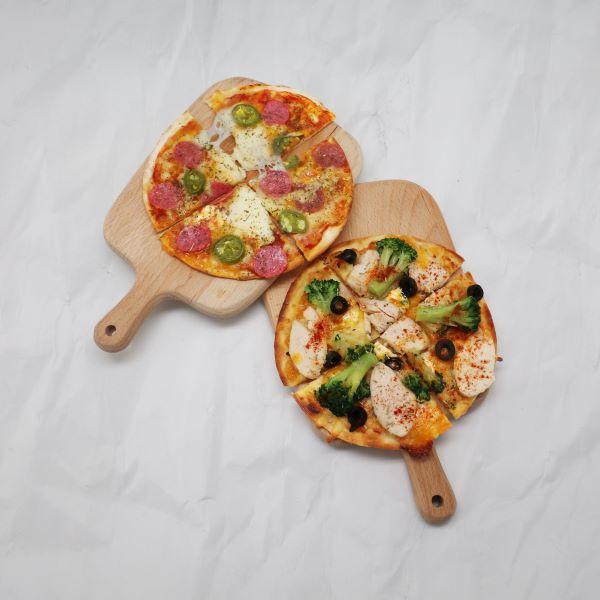 現烤【脆皮薄餅披薩】五種口味任你挑!