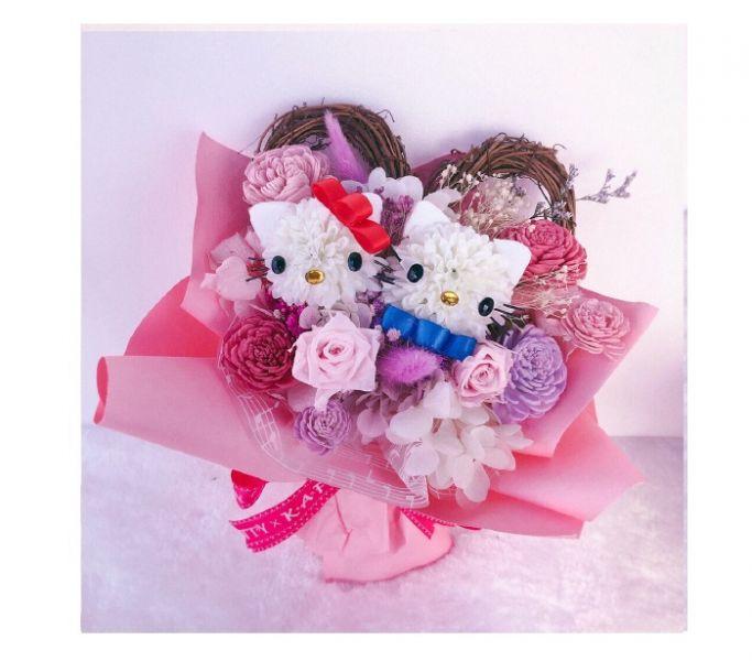愛心永恆花束 #Hello Kitty 凱蒂貓 造型花束 桌花 送禮 鮮花乾燥花 不凋花 婚禮 婚顧