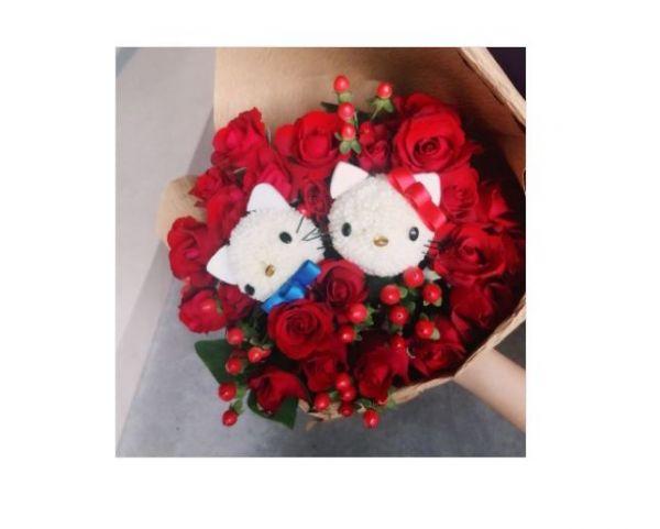 熱情紅玫瑰Q版花束 Hello Kitty花束 生日花束