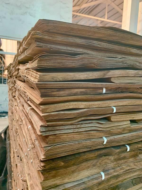 #德屋產品介紹|珍貴的天然實木皮 裝潢,評價,健康,德屋建材,實木皮板,木皮板,質感,德屋,天然,案例,作品,室內裝潢,室內設計,無毒, 抗噪, 靜音, 隔音, 價格勝於價值, 價值, 價格, 無毒, 舒適, 擁抱自然, 獨一無二, 裝潢,會呼吸,木皮,紋理,健康綠建材,綠建材認證,綠建材,木地板,天然木地板,德屋天然海島型實木地板,海島型木地板,海島型實木地板