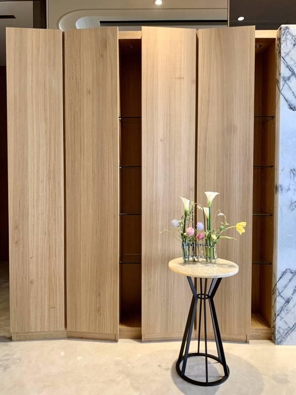 案例分享: 締造自然不朽的質感空間 裝潢,實木皮板,隱藏版,木皮板,質感,商空,裝潢,文青,德屋建材,天然,健康,
