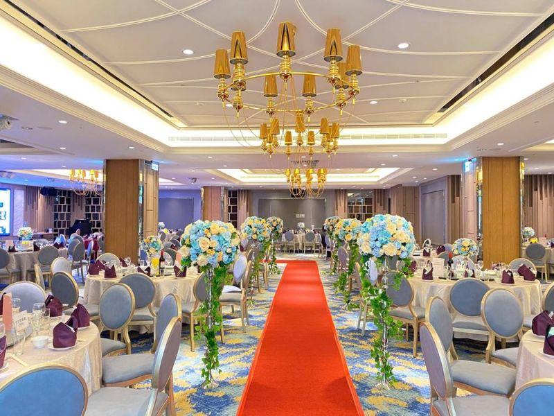 客人幸福分享:粉白的塗裝木皮板與你一起分享幸福的喜悅 裝潢,實木皮板,商業空間,德屋建材,婚宴會館,幸福,天然,美好,wedding, nature