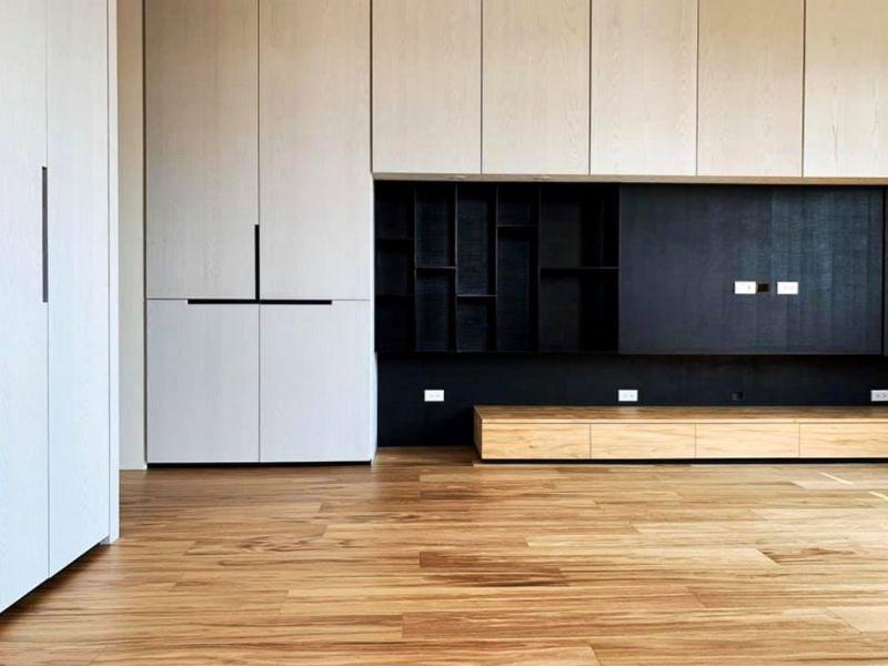 案例分享-木皮板的撞色搭配 裝潢,質感,撞色,實木皮板,木皮板,質感,商空,裝潢,德屋建材,天然,健康,