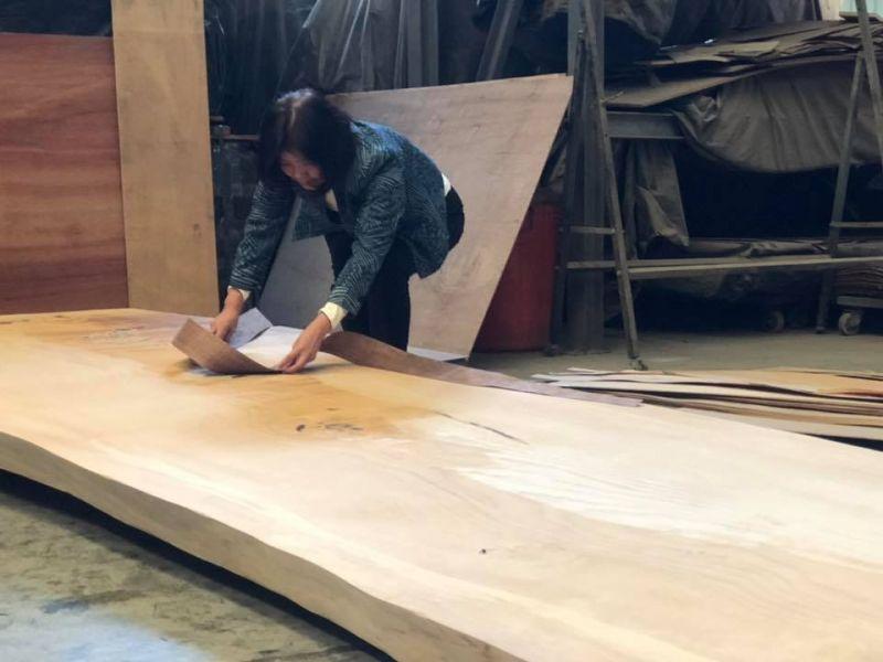 獨一無二的木箔原創新作品  即將誕生 木箔,藝術,畫作,客製化,送禮推薦,高級訂製禮品,木箔原創美學館