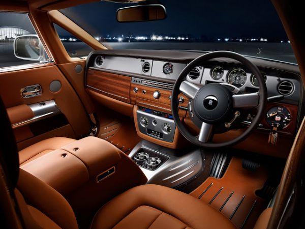 設計分享|RollsRoyce勞斯萊斯與天然木皮的頂級搭配 裝潢,評價,健康,德屋建材,實木皮板,木皮板,質感,德屋建材,天然,客戶回饋,案例,作品,室內裝潢,室內設計,無毒, 勞斯萊斯, Rolls-Royce, 天然木皮, 木飾板, 儀表板, 豪車, 精品工藝, 精緻內裝, 尊榮, 頂級