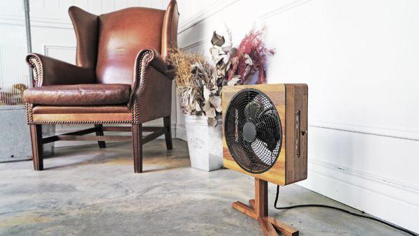 沐風 - 台灣手工實木電風扇( 加腳架 )(6折出清) 木質風扇,木頭風扇,木紋風扇,實木風扇,手工風扇,質感風扇,電風扇